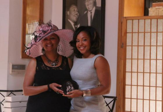 Kelly Fair receiving the Dream Catchers Award from Lisa Lanell and the ladies of Dreams & Beyond, NFP in Chicago!